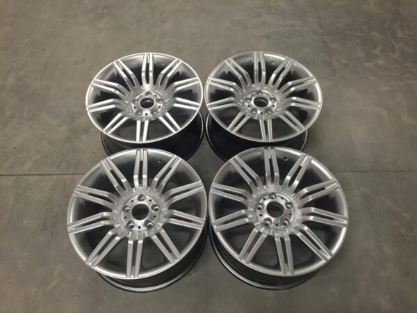"19"" Staggered 535 Spyder Style Wheels - Hyper Silver - 5 / 6 / 7 Series / E9x M3"