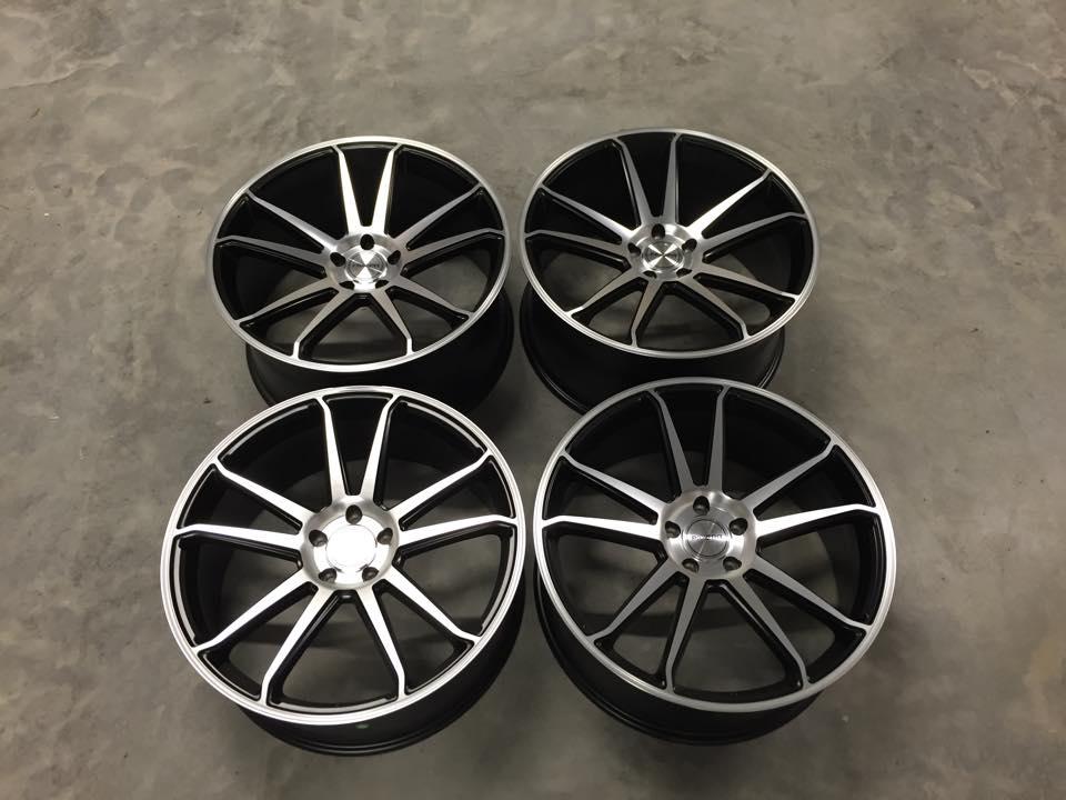 "22"" RIVIERA RV116 Onyx Wheels - Black / Machined - X5 X6 / Range Rover Sport / VW T5"