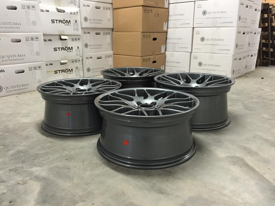 "19"" Staggered CSL Style Wheels - Gloss Gun Metal - E90 / E91 / E92 / E93 / E46 M3"
