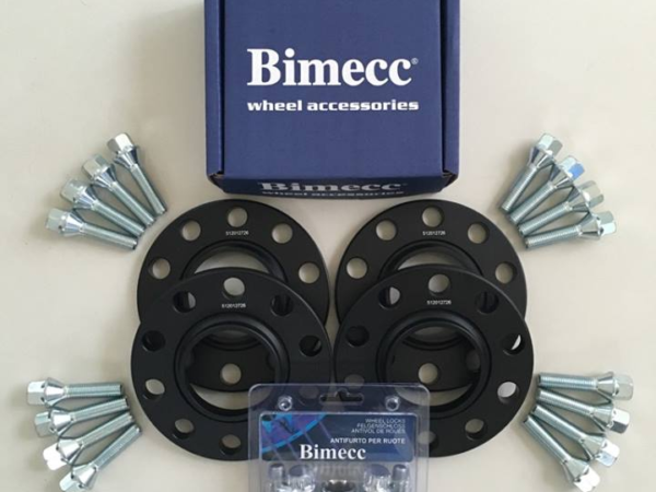 4 x 12mm BIMECC Black Wheel Spacers - Silver Bolts & Locks