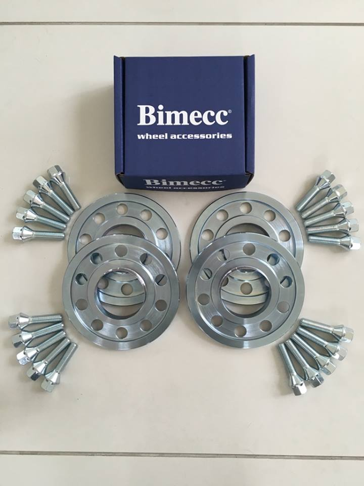 4 x 10mm BIMECC Steel Wheel Spacers - Silver Bolts