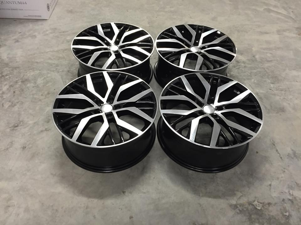 "19"" Golf Santiago Style Wheels - Gloss Black / Machined - VW / Audi / Mercedes - 5x112"