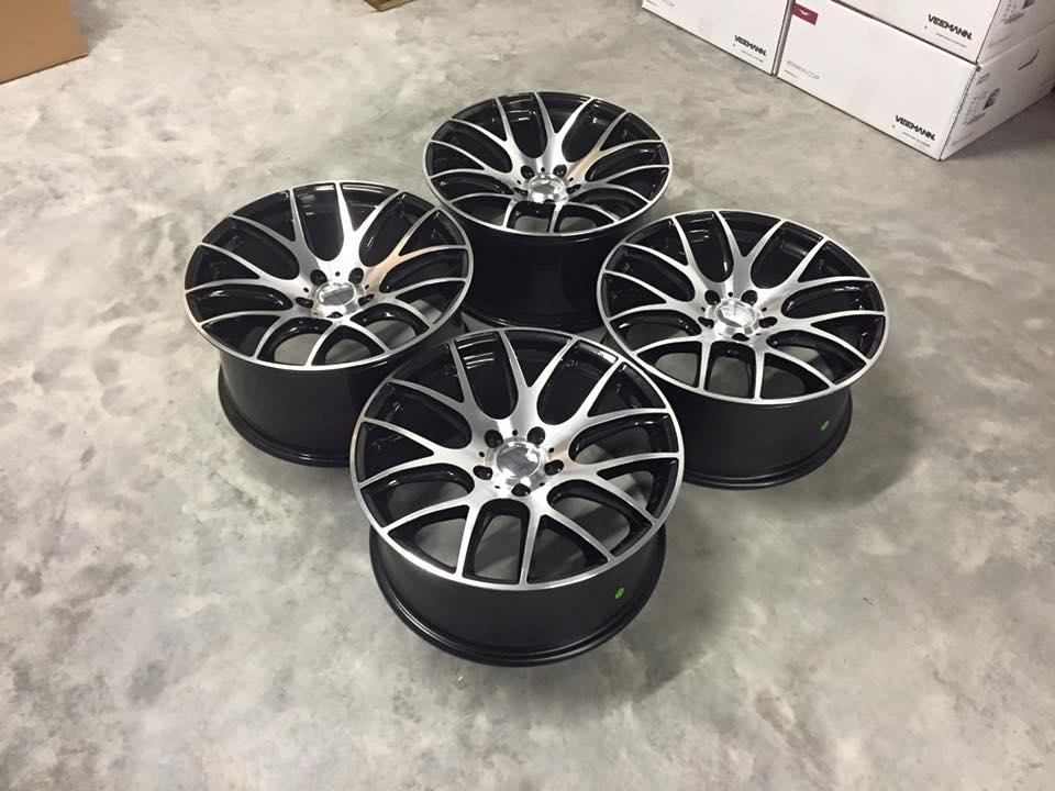 "19"" Staggered CS Lite 935 Style Wheels - Gloss Black / Machined - E90 / E91 / E92 / F10"