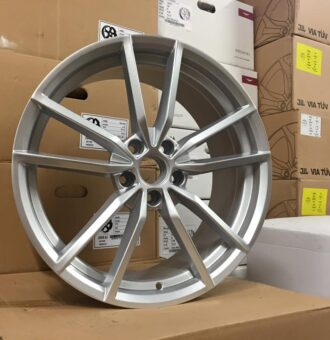 "19"" VW Golf R Pretoria Style Wheels - Hyper Silver - VW / Audi - 5x112"