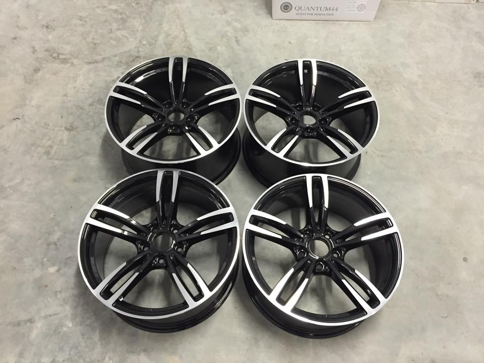 "20"" Staggered M3/M4 437M Style Wheels - Gloss Black Machined - E90 / E91 / E92 / E93 / F10"